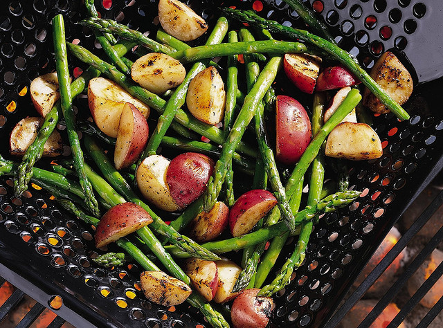 Grilling basket - veggies included